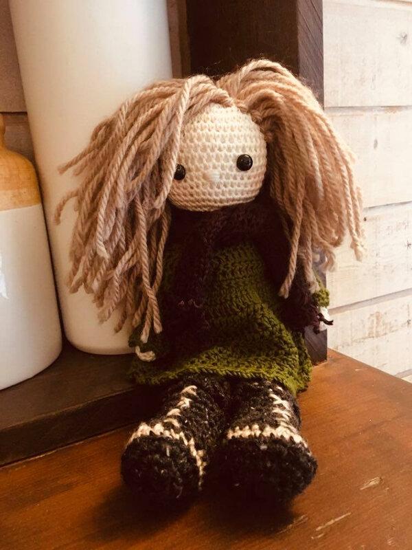 poupee laine yohanie cheveux