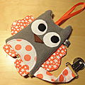 attache_t_tine_hibou_gris_orange_blanc