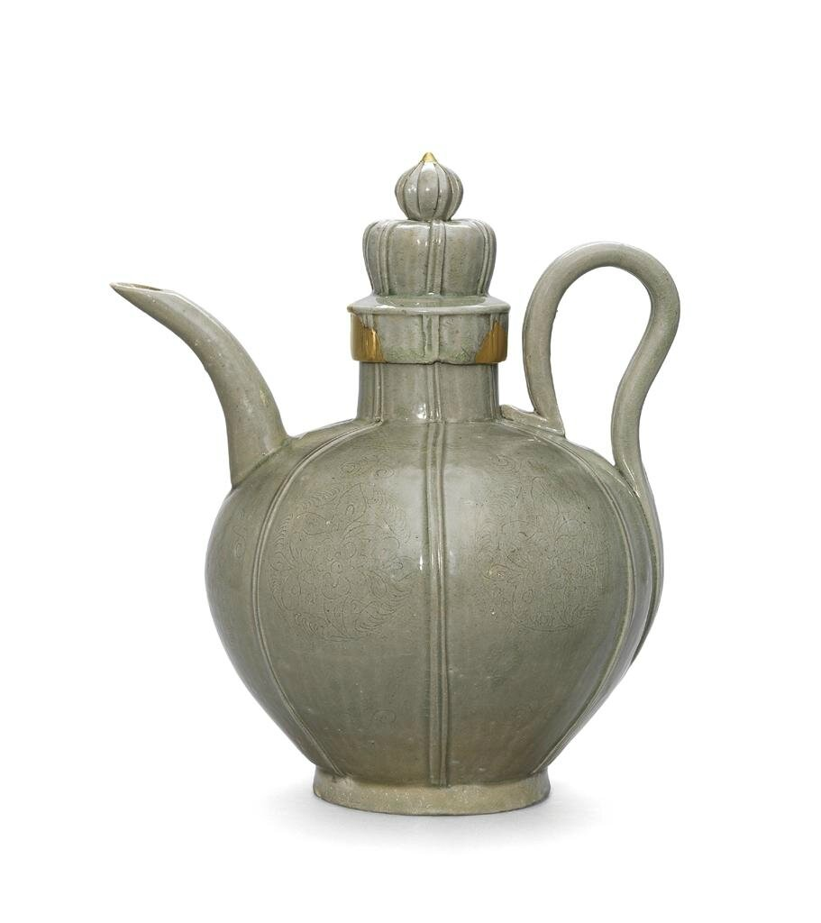 An incised Yue ewer and cover, Northern Song dynasty (960-1127)