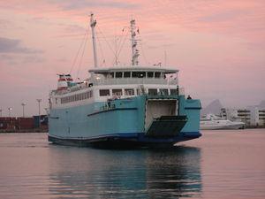 Port_mooera_ferry_1