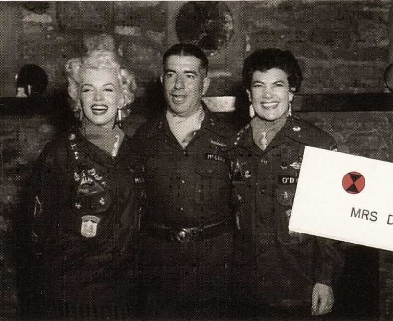 1954-02-16-5_after_perform_7th_infantery_division-5-with_jean-1a
