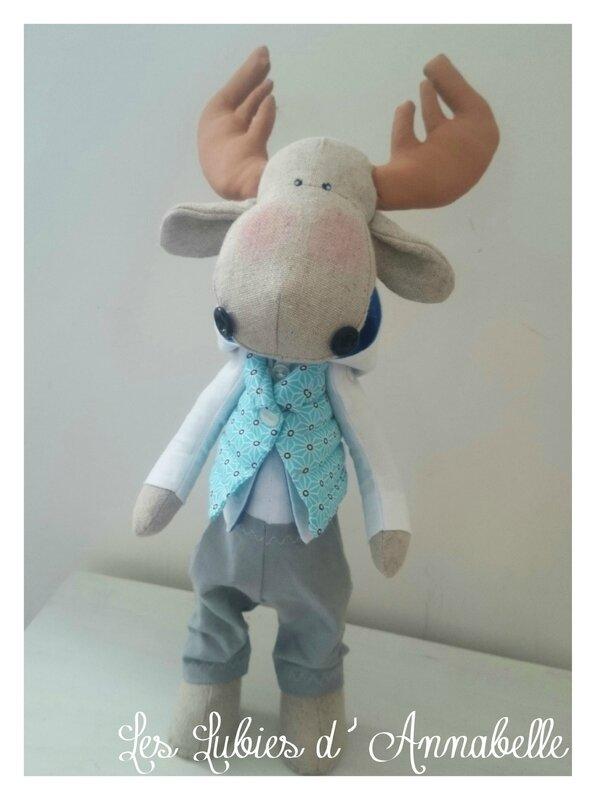 Cerf figurine couture