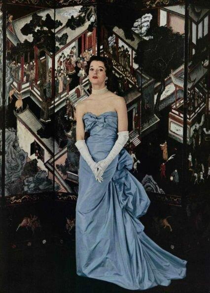 Balenciaga gown, 1954