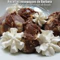 Crème glacée au chocolat et éclats de biscuits sans sorbetière