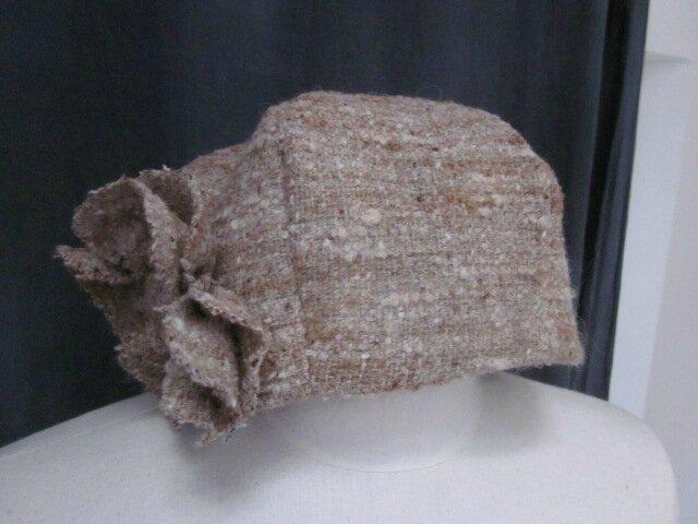 Chapeau AGATHE en lainage beige caramel avec fleur - doublure de coton beige imprimé blanc - taille 58 (2)
