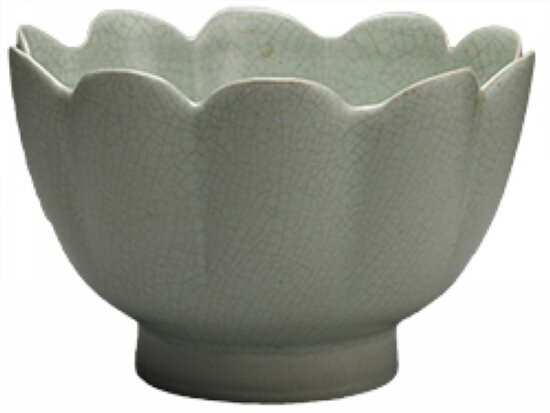 Fluted bowl, celadon glaze, Ru ware, Northern Song dynasty, 11th–12th century