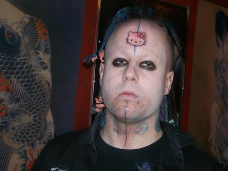 hello_kitty_tattoo_forehead