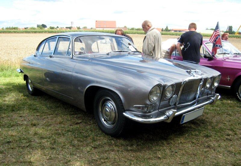 Jaguar MK X 4