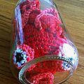 Poisson rouge tout rond dans son bocal