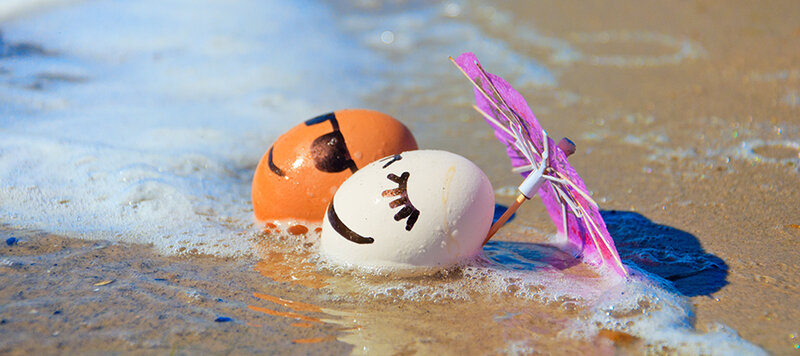 easter_eggs_at_the_beach