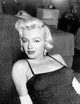 1954_06_PhotographyMag_Report_05_byEarlWilson_020
