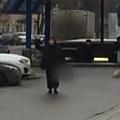 Moscou : elle décapite un enfant de 4 ans et brandit la tête dans la rue en criant