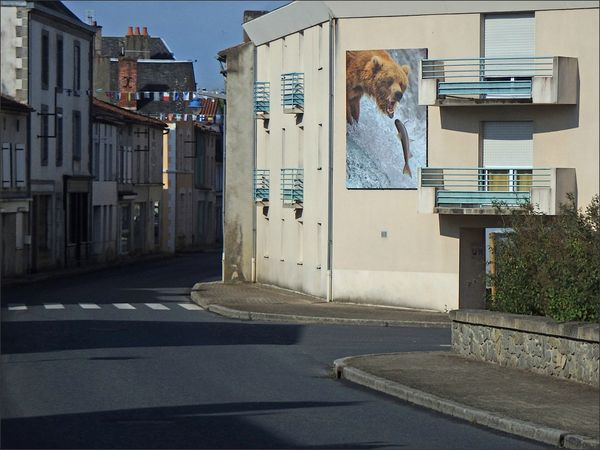 Montcoutant ours rue vide 270713