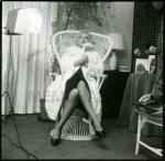 Wicker_sitting_inspiration-marilyn-1956-beaton-1