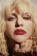 courtney_love-1993-03-29-by_kevin_cummins-1-3a