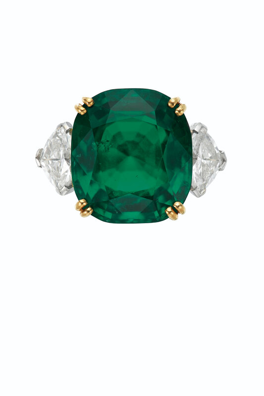 2020_NYR_18990_0195_000(emerald_and_diamond_ring)