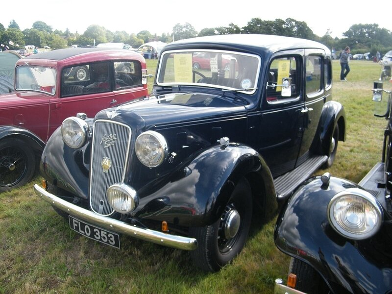 1939_Austin_18_Norfolk_Saloon_6094550016