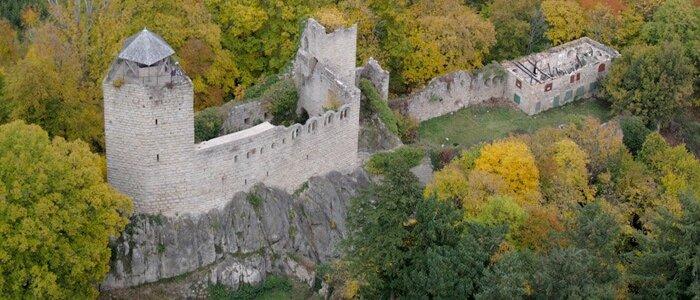 chateau-bernstein-vue-aerienne-CP-Loehle