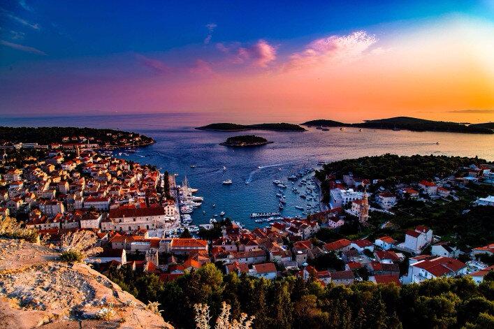 sunset-at-hvar-croatia-shutterstock_339304718-2-707x471