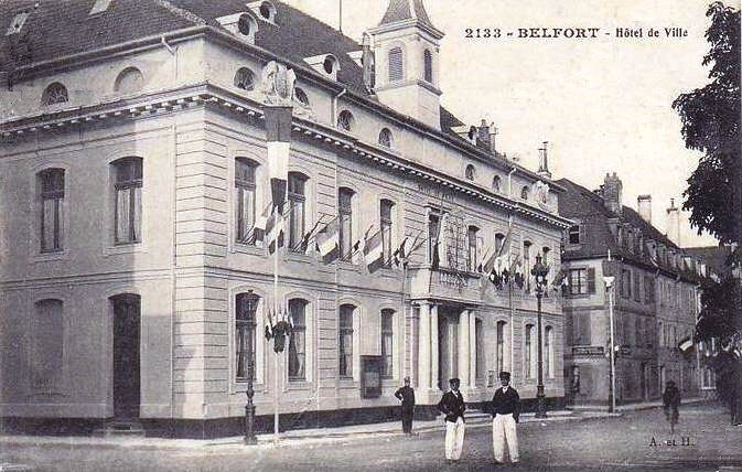 Belfort CPA Mairie Drapeaux