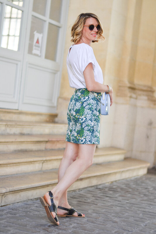 blue bag and print skirt - styliz (7)