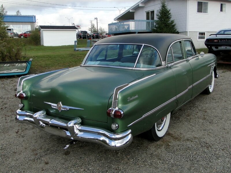 packard-cavalier-4door-sedan-1953-02