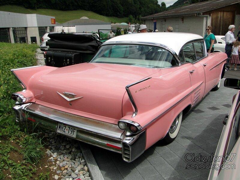 cadillac-series-62-sedan-1958-02