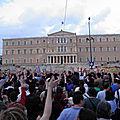 Non, ce plan n'était pas destiné à aider la grèce, mais plutôt à garantir la stabilité la zone euro et surtout à gagner du temps