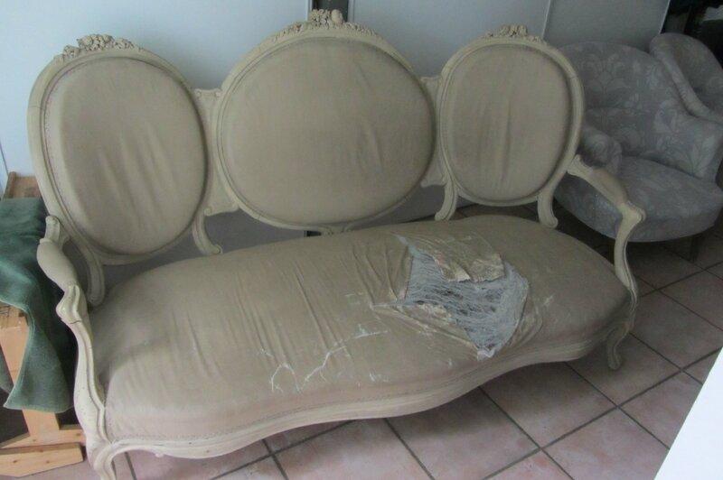 canapé Napoléon III tapissier à Bohars