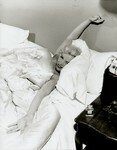 1952_marilyn_monroe_in_bed_013_010_by_bob_beerman_3