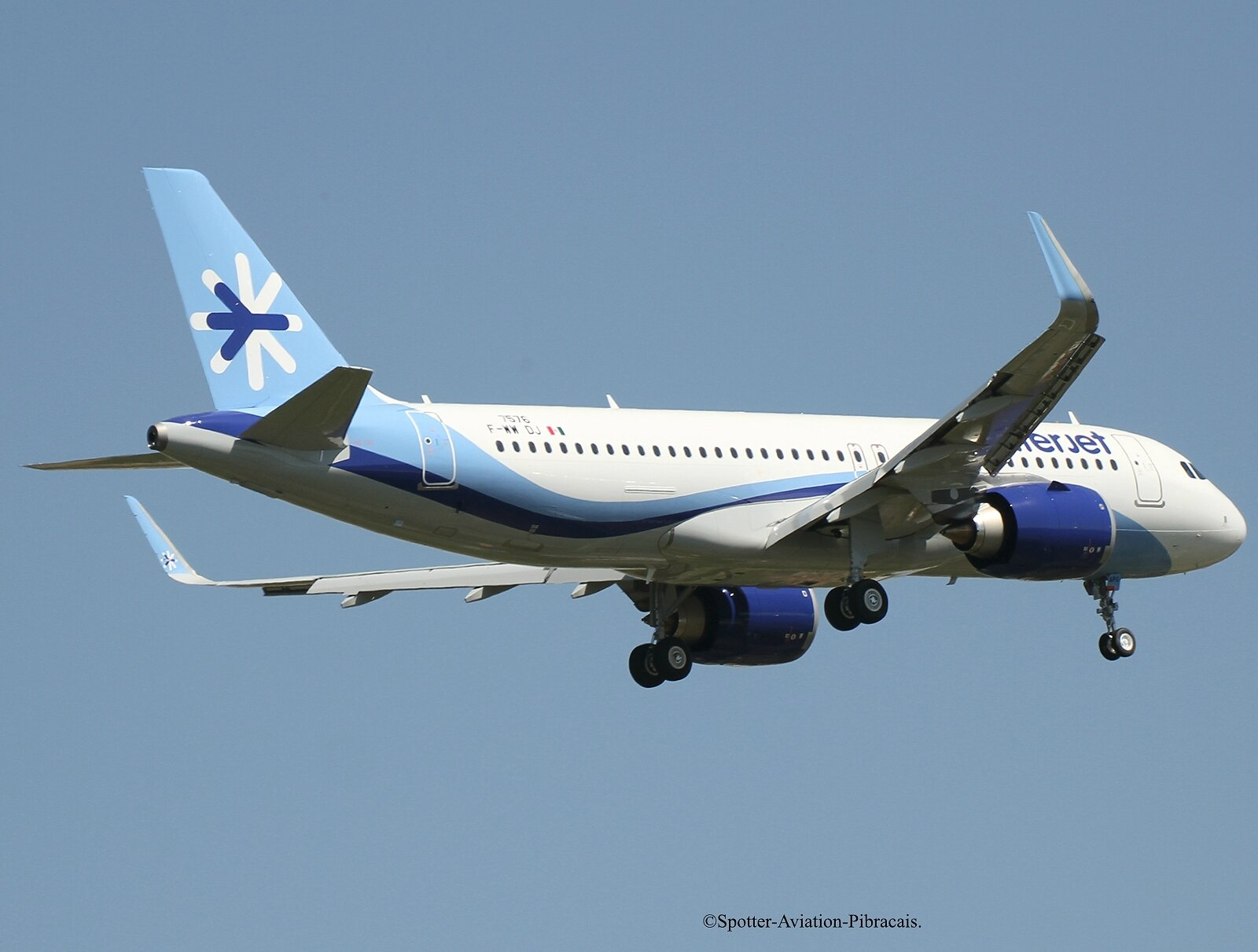 Interjet (Airbus A320 NEO).