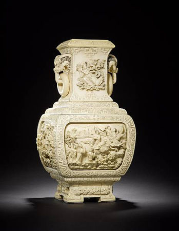 An_extraordinary_pair_of_large_exquisitely_carved_ivory_vases1