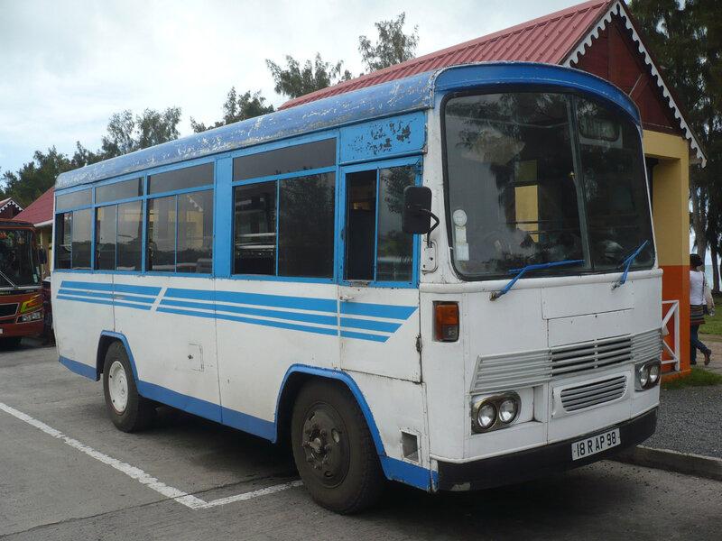 ASHOK LEYLAND autobus Port Mathurin (1)