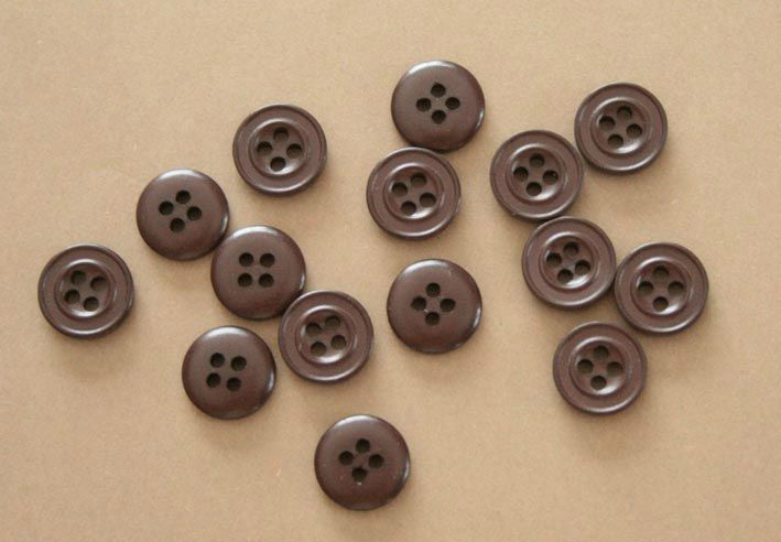 boutons marron