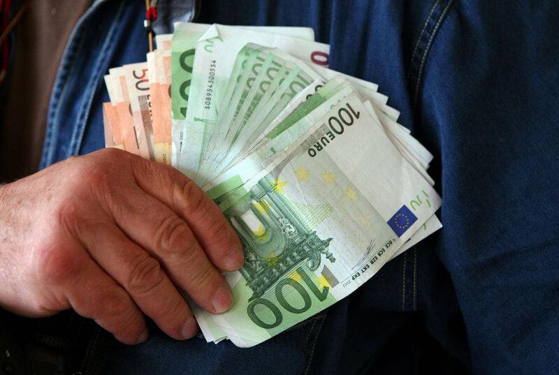 ob_269b9a_euros-et-evasion-fiscale-sondages-t