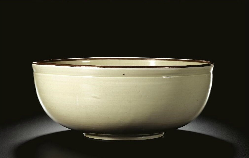 A large and rare 'Ding' deep 'Fish' bowl, Song-Jin dynasty (960-1234)