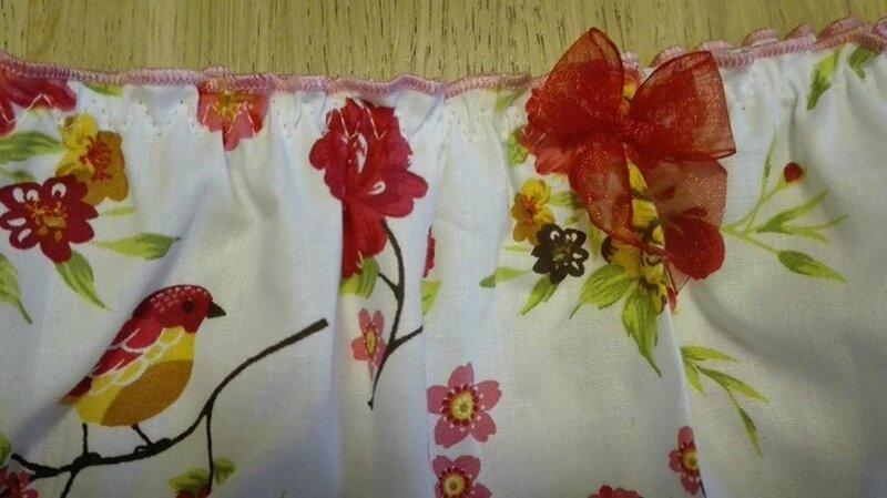 Culotte CHARLOTTE en coton blanc fleuri - noeud de mousseline rouge - taille L (1)