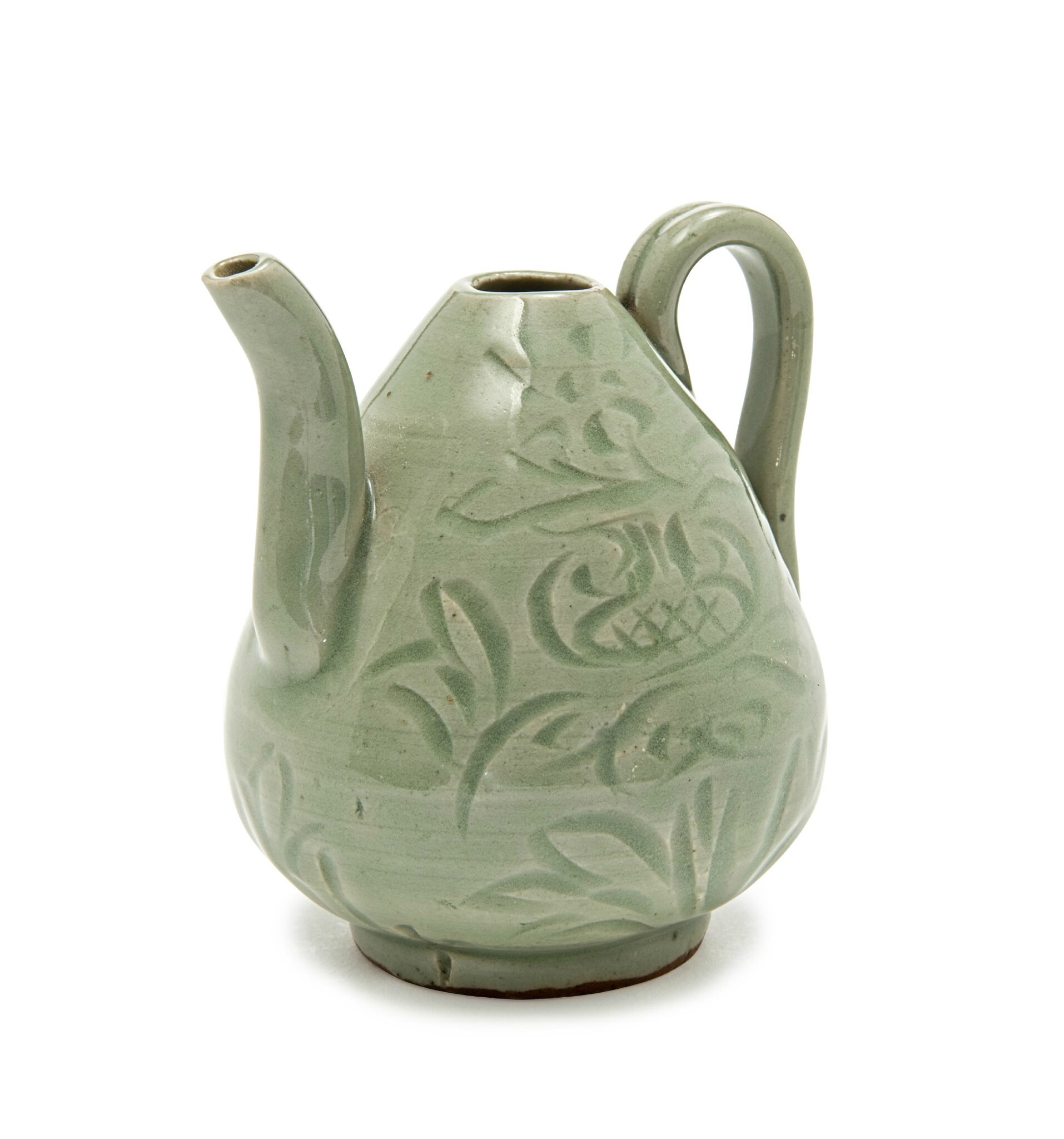 A Longquan celadon-glazed small wine ewer, Song dynasty (960-1279)