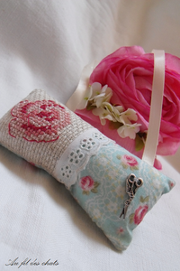 Coussin rose 02