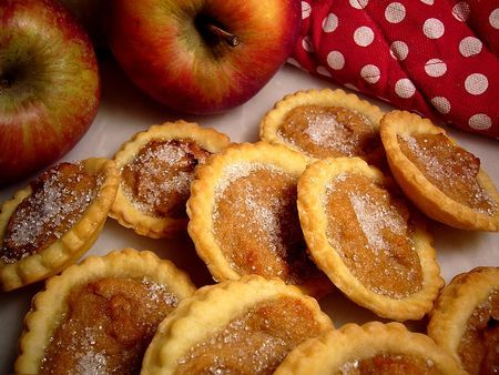 Apple cheese tarts