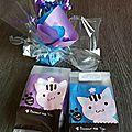 🌹🌹🌹3 bracelets dans ces paquets cadeaux : un bracelet violet pour la plus grande des filles, un bracelet bleu pour la plus pe