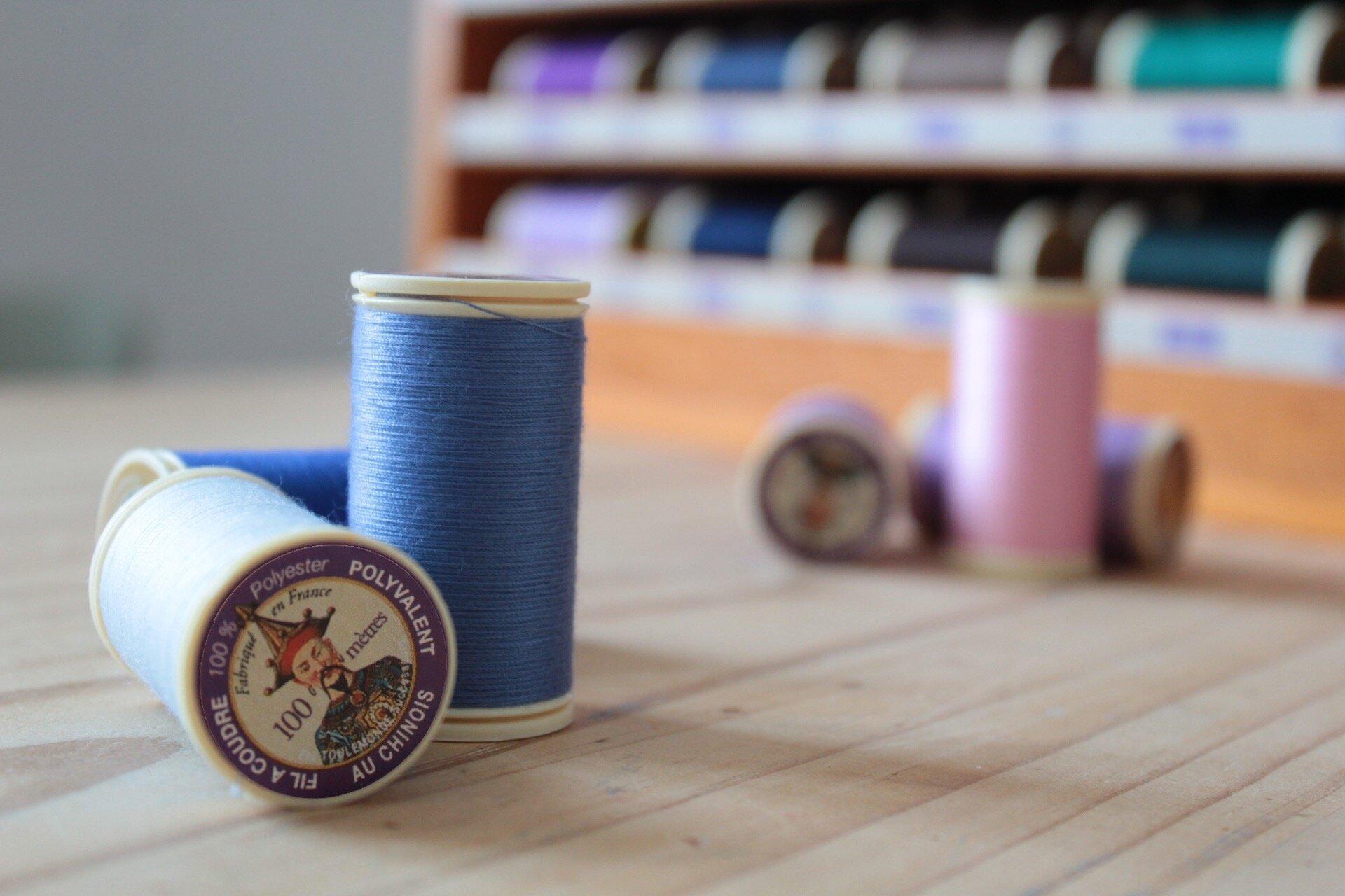 Le Choix du fil: Fil polyester ou fil de coton, comment choisir ?
