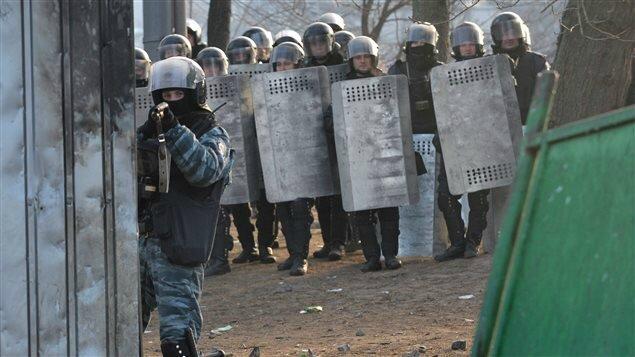 AFP_140228_kk95b_armes-ukraine-tireur_sn635