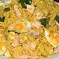 Riz au curry de saumon et aux oeufs