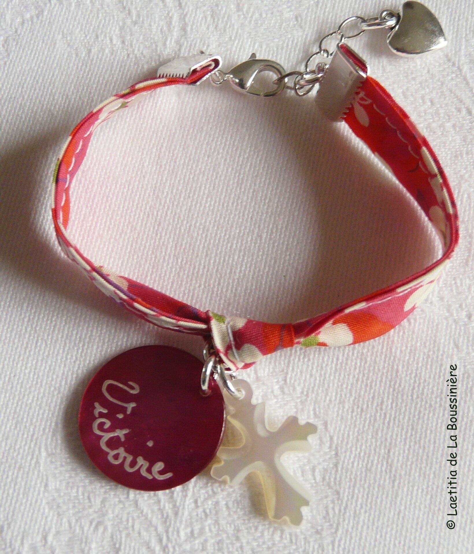 Bracelet médaille en nacre et Croix de Jérusalem