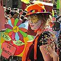 Il pleut sur nantes... des confettis ! carnaval du 14 avril 2013 (1)