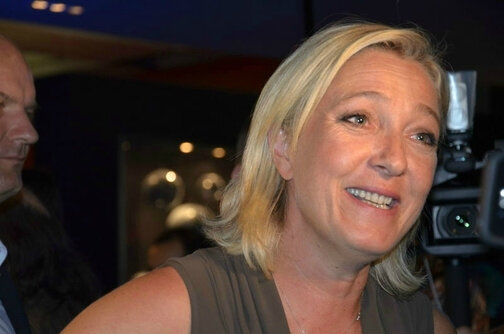 PHOTO DG DE MARINE LE PEN