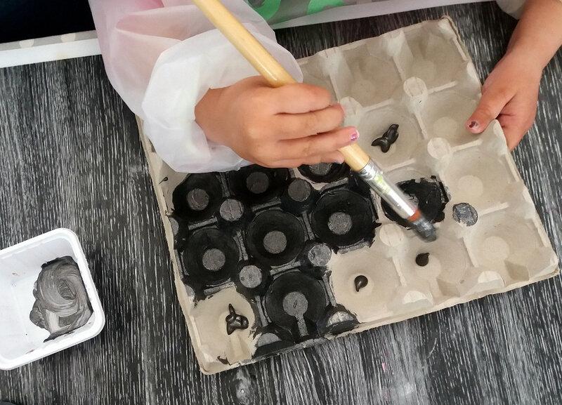 325-Noir et blanc-Boîtes à oeufs (5)