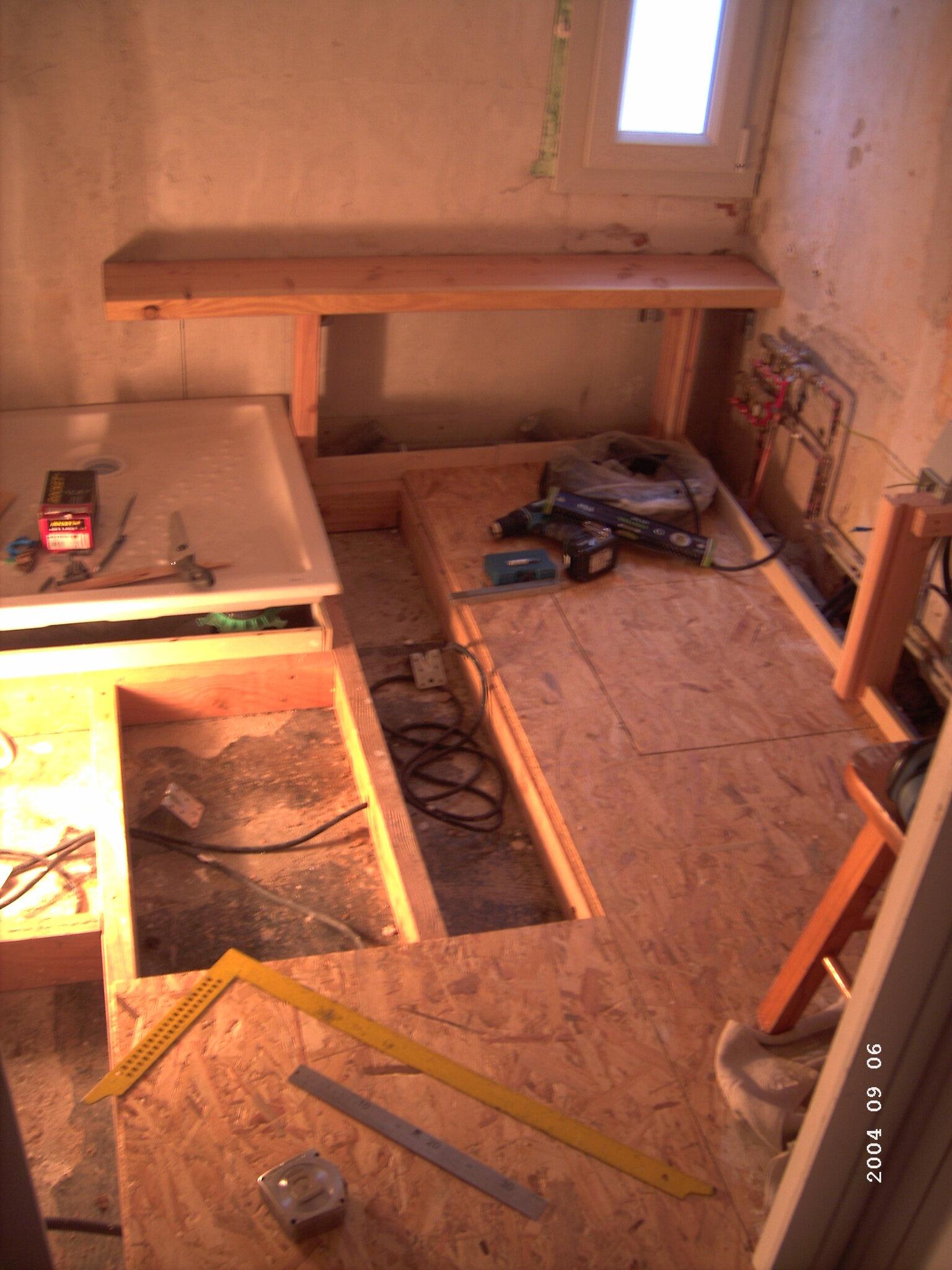 Rénovation d\'une salle de bain : parquet en pont de bateau ...