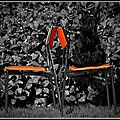 708 Chaises vintages orange